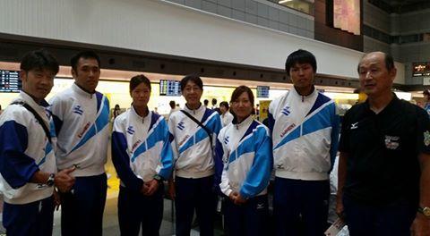 羽田にて解散式
